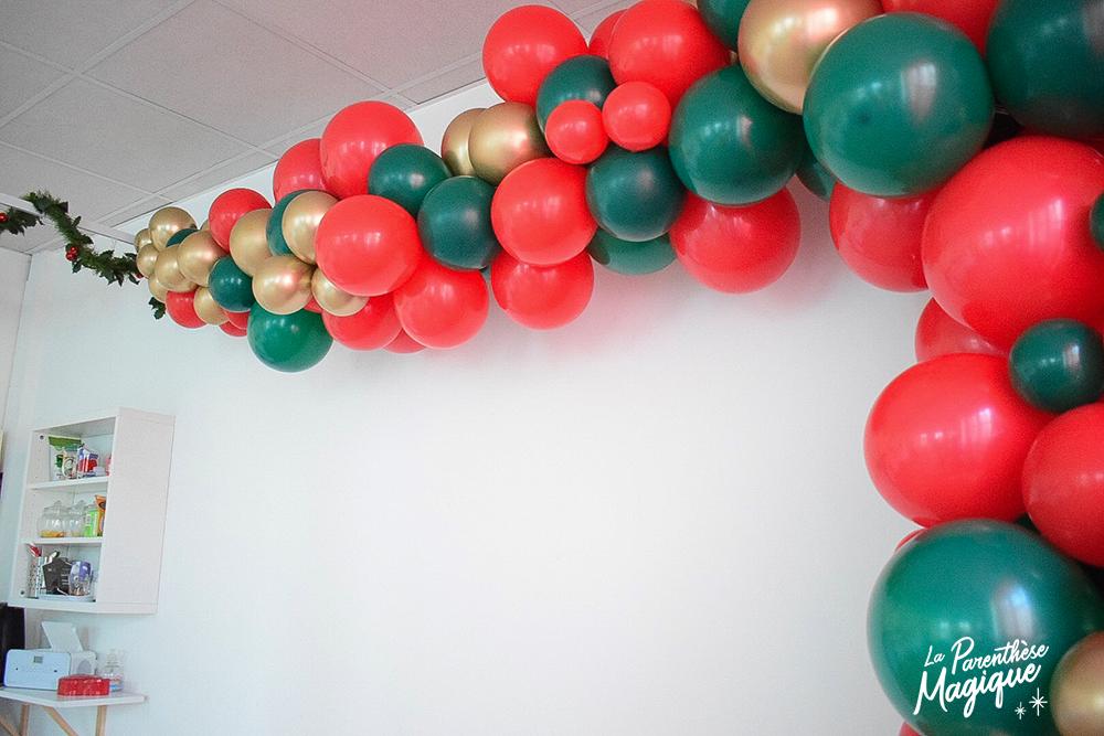 arche-ballons-rouge-vert-dore-noel